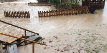 На Закарпатті різко піднімається рівень води у річках: є потерпілі