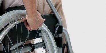На Коломийщині інвалід І групи ремонтує мобільні телефони. ФОТО