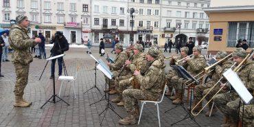 Коломийський військовий оркестр виступив у Франківську. ФОТО