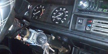 На Прикарпатті чоловік викрав авто і заїхав ним у стовп. ФОТО