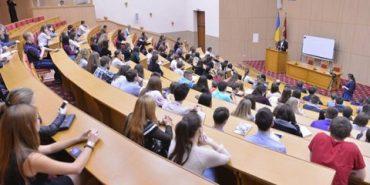 Мінімальну стипендію підвищено до 1100 гривень