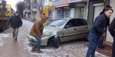 На Франківщині авто в'їхало в магазин. ФОТО