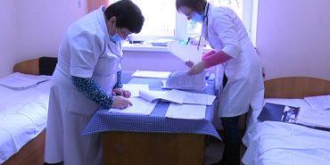 Дев'яносто хворих на 60 ліжках: інфекційна лікарня переповнена пацієнтами. ВІДЕО
