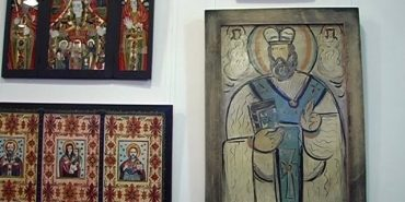 """Виставку ікон """"Нев'янучий цвіт"""" львівських митців презентували у Коломиї. ВІДЕО"""