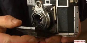 У музеї на Прикарпатті вперше виставили історичний фотоапарат Степана Бандери. ВІДЕО