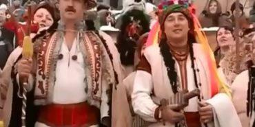 """У мережі опублікували відео обряду традиційної """"Маланки"""" на Покутті"""