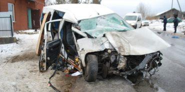 Жертва вчорашньої ДТП на Прикарпатті:  у лікарні помер пасажир мінівена