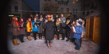 У Коломиї з 8 по 19 січня біля ялинки колядуватимуть церковні хори. АНОНС