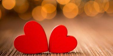Прикарпатець освідчився своїй коханій з екрана на Вічевому майдані. ВІДЕО