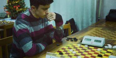 Юний косівчанин став чемпіоном України з шашок-100. ВІДЕО