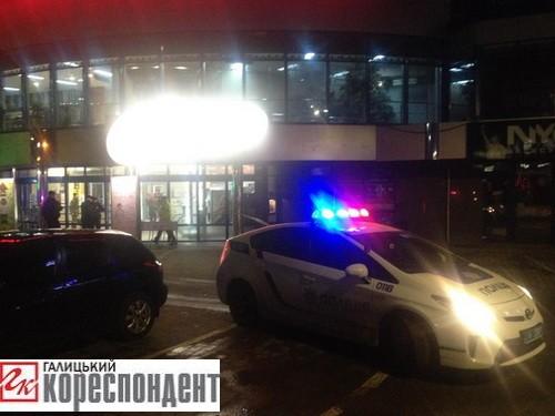В Івано-Франківську замінували нічний клуб. ФОТО