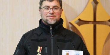 """Військовий капелан з Коломиї отець Михайло Дзюба отримав нагороду """"За служіння Богу та Україні"""""""