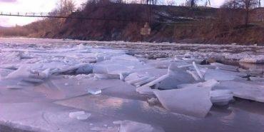 На Прикарпатті підірвали річку Прут
