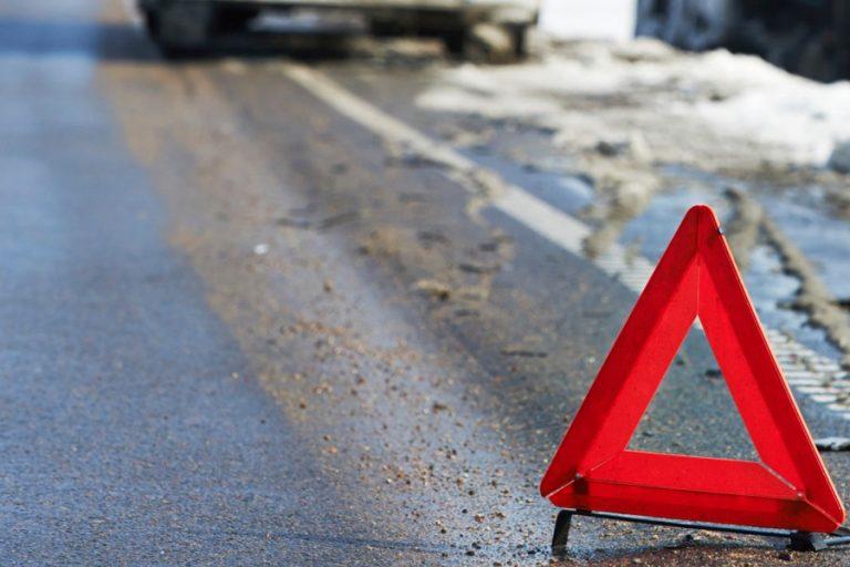 На Прикарпатті автівка злетіла в кювет, - є потерпілі