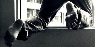 У Коломиї 39-річний чоловік вистрибнув з вікна четвертого поверху