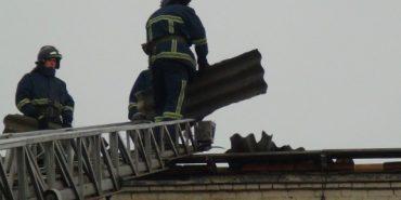 На Коломийщині вітер зірвав дах з школи мистецтв