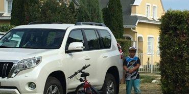У середмісті Франківська в білий день викрали елітний позашляховик. ФОТО