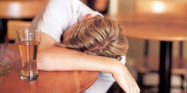 На Франківщині 16-річний юнак отруївся підробленим алкоголем