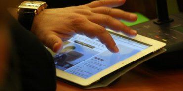У Бурштині на 100 тисяч гривень закуплять планшети для депутатів