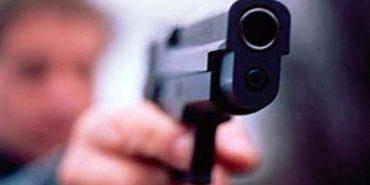 На Прикарпатті поліцейські зупинили п'яного сільського голову, який влаштував стрілянину