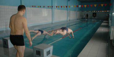 У Коломиї відбувся турнір з плавання серед військовослужбовців. ФОТО