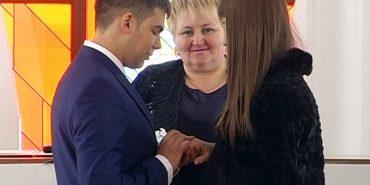 """""""Шлюб за добу"""": У День закоханих у Коломиї одружилося 10 пар. ВІДЕО"""