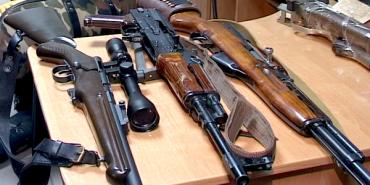 За два тижні прикарпатці добровільно здали в поліцію 133 одиниці зброї