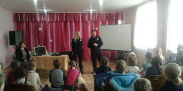 Патрульні розповіли школярам Коломийщини про особливості своєї служби та пояснили, як їх відрізнити від інших працівників поліції