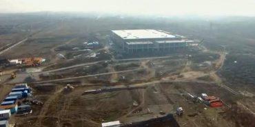 """Опубліковано ексклюзивне відео будівництва заводу """"Леоні"""" у Коломиї з висоти пташиного польоту"""