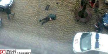 У Івано-Франківську з 12-го поверху випав чоловік