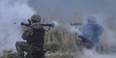 Доба в АТО: троє військових загинуло, восьмеро поранено