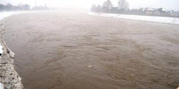 Прикарпатців попереджають про значний підйом рівня води на річках
