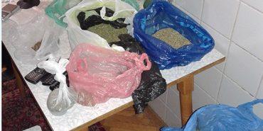 На Прикарпатті працівники поліції у помешканні іванофранківця виявили наркопритон. ФОТО