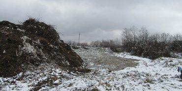 На Прикарпатті поліція на сміттєзвалищі виявила тіло хлопця