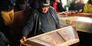 Дивовижні мелодії Гуцульщини: в гостях у відомого народного майстра музичних інструментів. ВІДЕО