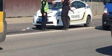 ДТП на Прикарпатті: п'яна жінка на BMW X5 збила трьох людей і втекла. ФОТО
