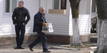 За рішенням Коломийського суду на пивзаводі шукали фальсифіковану горілку. ФОТО+ВІДЕО