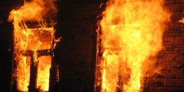 Вночі на Прикарпатті згоріли будинок і літня кухня