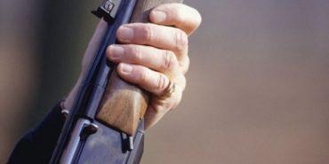 Чоловіку, який на Коломийщині вистрілив у голову сусіду, присудили 150 годин громадських робіт