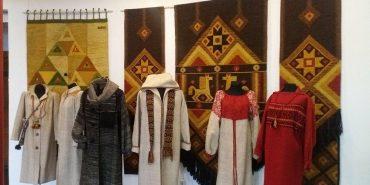 Жіноче вбрання, гобелени, аксесуари зі шкіри та інше: у Музеї писанки відкриють нову виставку. ФОТО