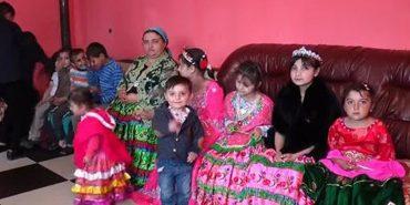 Не вміє читати й писати, а вже готується до весілля: на Закарпатті одружують 10-річну дівчинку
