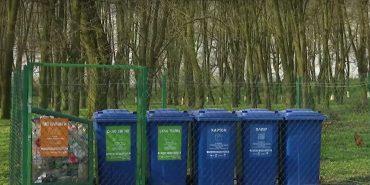 На Прикарпатті священик навернув людей до сортування сміття. ВІДЕО