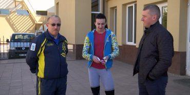 Як у Коломиї поліцейський став тренером з важкої атлетики. ВІДЕО