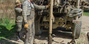 У Коломиї розпочалися геологорозвідувальні роботи на місці будівництва майбутнього басейну. ФОТО
