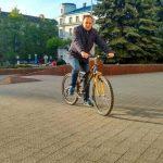 Івано-Франківський міський голова приїхав на роботу на велосипеді