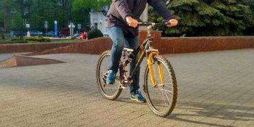 Мер Франківська приїхав на роботу на велосипеді. ФОТОФАКТ