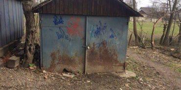 У Коломиї двоє раніше судимих юнаків обікрали гараж на понад 10 тисяч гривень