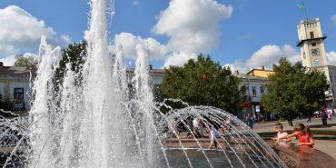 """На сайті """"Дзеркала Коломиї"""" працює веб-камера з виглядом на фонтан"""