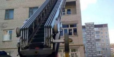 Жінка на дві доби замкнула у квартирі двох малолітніх дітей, щоб відсвяткувати Великдень