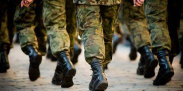 На військовий облік ставлять чоловіків, яким добігає 60